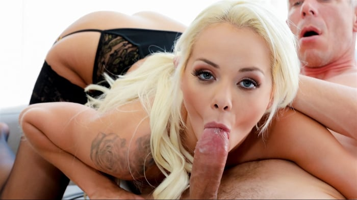 Elsa Jean in Vagitarians 2