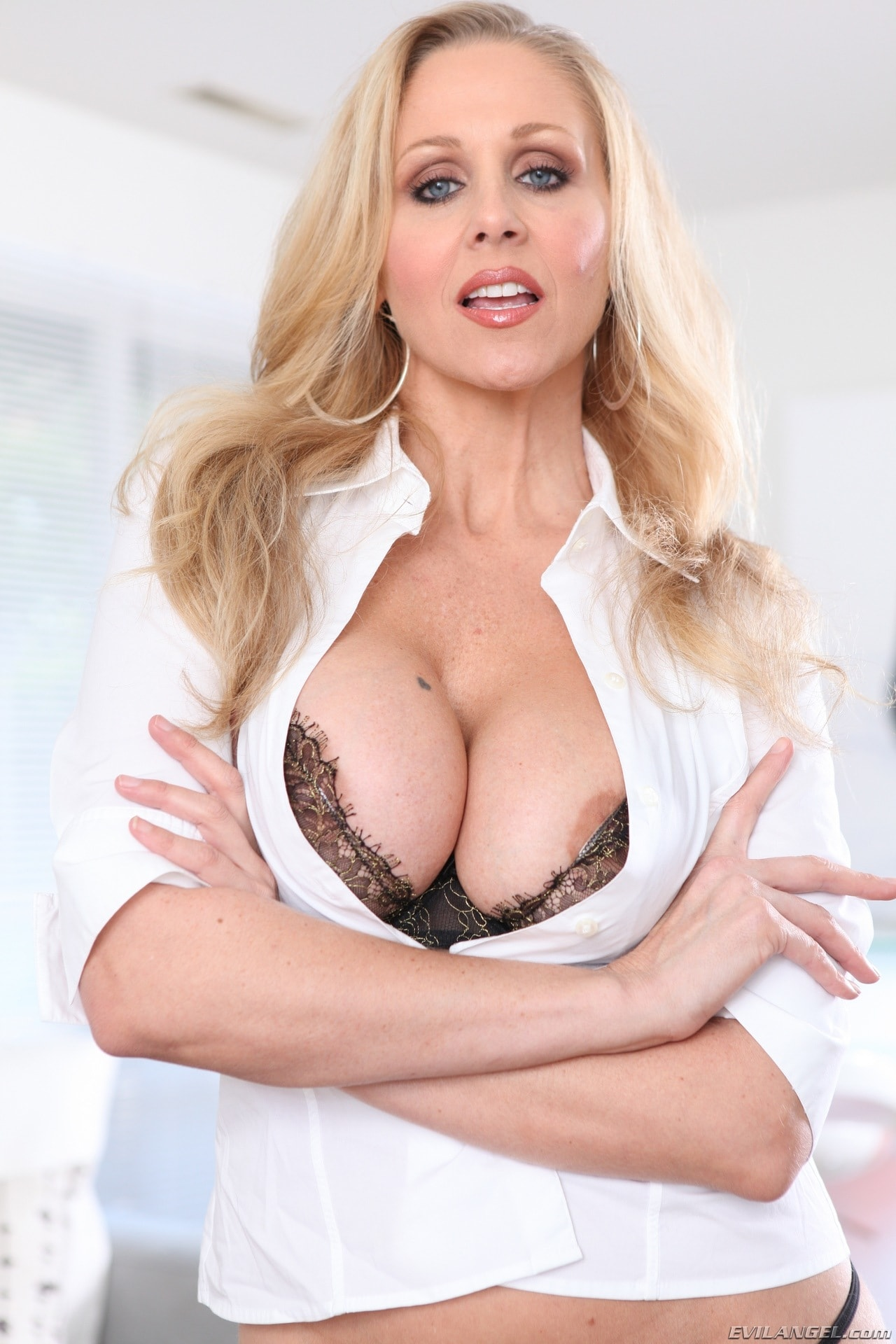 Excellent making love milf julia ann may get titty bumped by a difficult cock