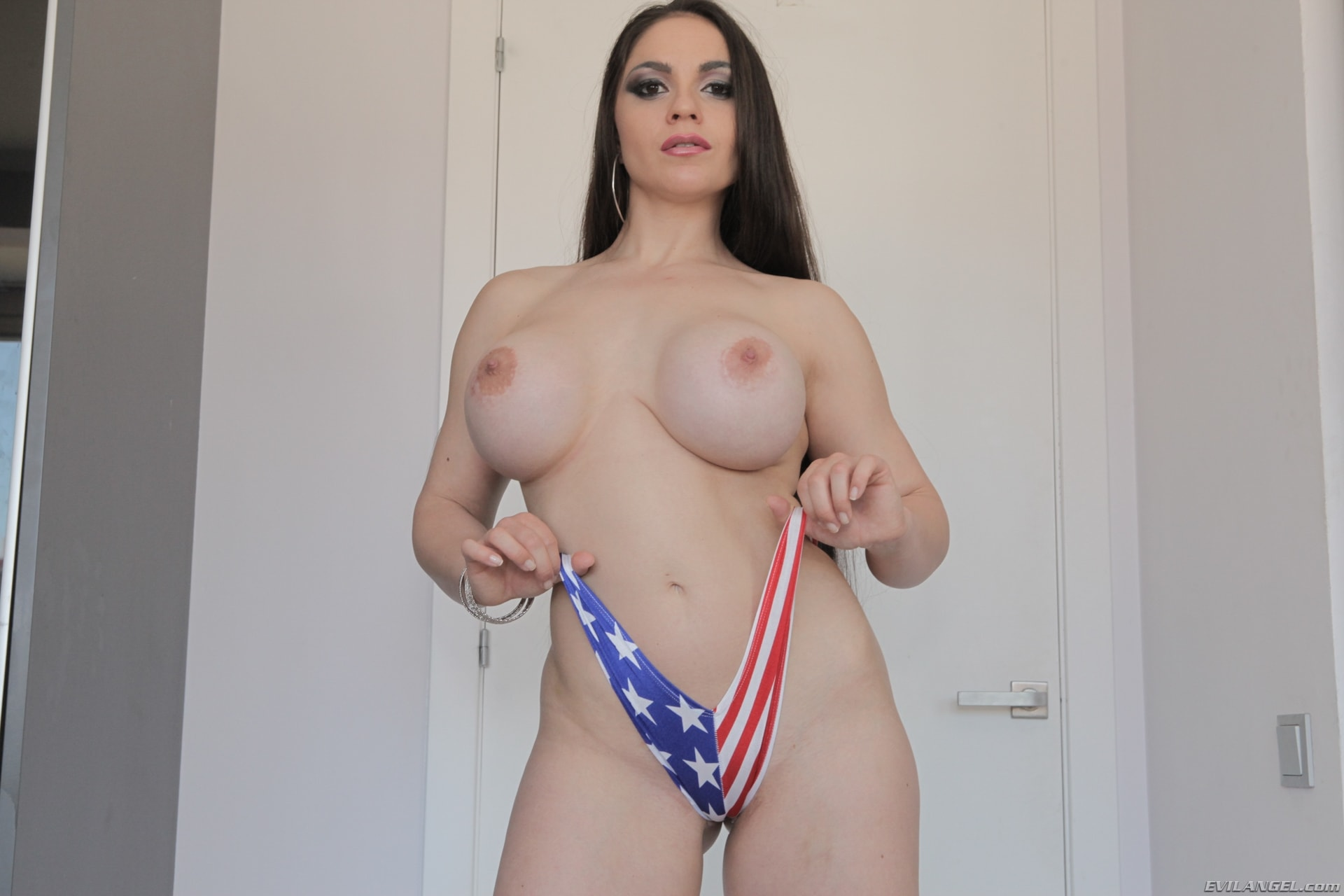 Marta La Croft Titfuck