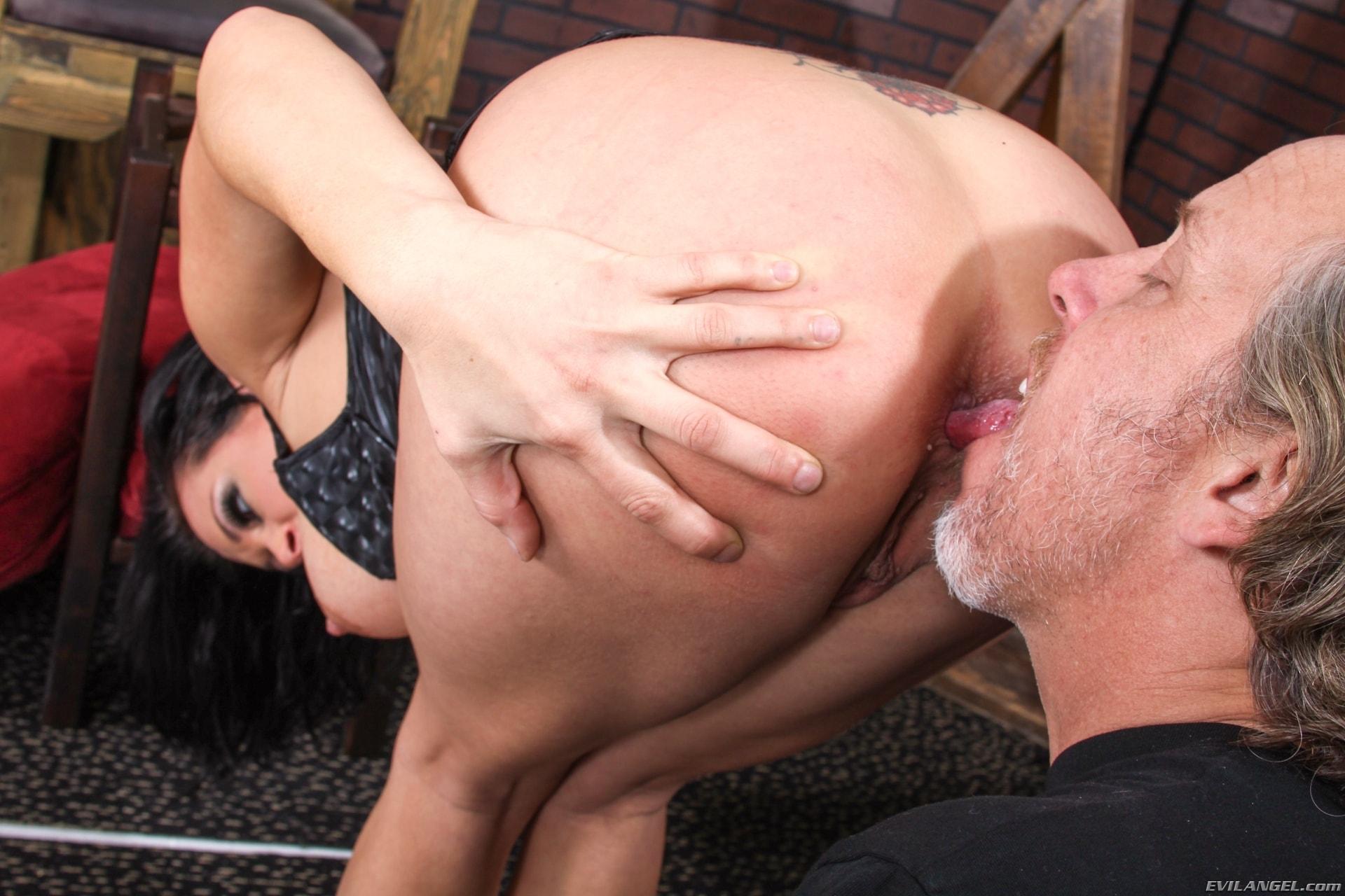Bbw ass licking porn pics